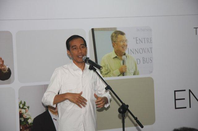 Jokowi sharing during Tanoto Entrepreneurship Series