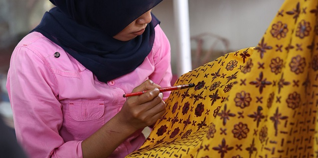 rge_april_berry_csr-batik-feature